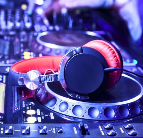 EQUIPEMENTS DJ